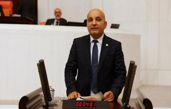 İzmir Karşıyaka'da taşınmaz edinme yoluyla Türk vatandaşlığı kazanan kişiler mecliste!