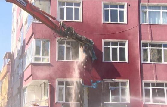 Bahçelievler'deki 42 yıllık binada yıkım başladı!