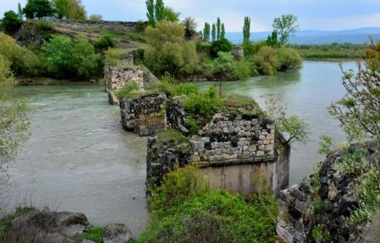 Boğazkesen Köprüsü restore edilmezse yok olacak!