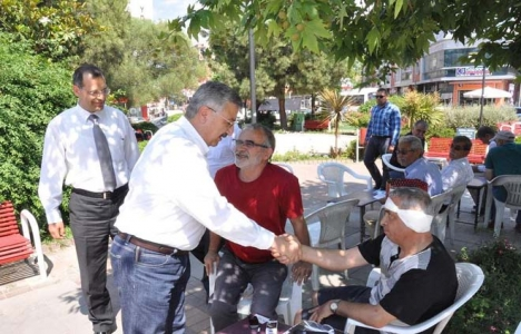 Necip Nasır: İzmir kimlik sorunu yaşıyor!