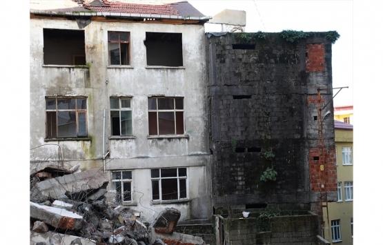 Rize'de riskli 5 bina yıkılıyor!