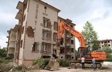 Bursa Özgür Sitesi'nin yıkımı başladı!