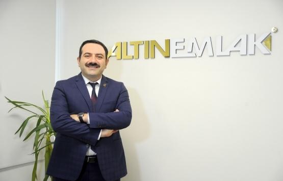 Mustafa Hakan Özelmacıklı kimdir