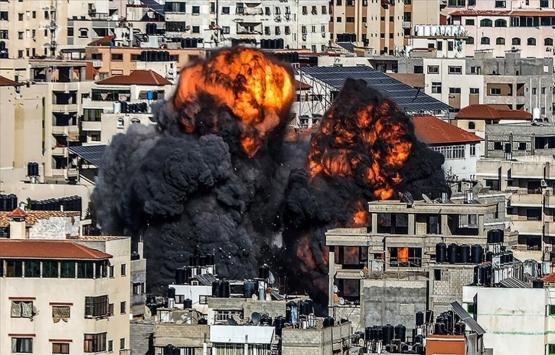İsrail'in saldırılarında Gazze Şeridi'nde onlarca bina yıkıldı!