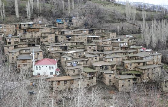 Bitlis Hizan'ın ilginç taş evleri!