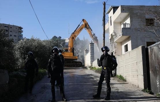 İsrail Batı Şeria'da Filistinlilere ait evleri yıkmaya devam ediyor!
