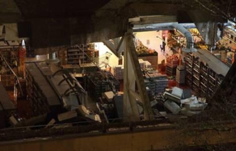 Riga'da bir süpermarketin çatısı çöktü!