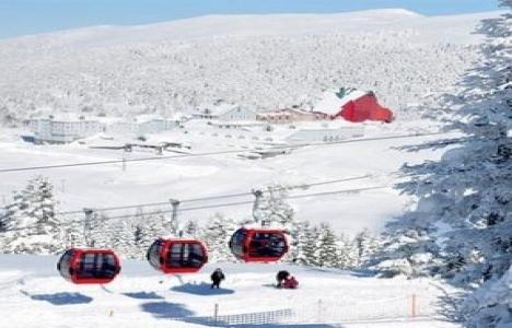 Turizmciler erken yağan kar nedeniyle kậrda!