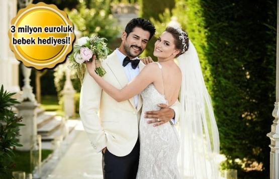 Burak Özçivit'ten eşi Fahriye Evcen'e villa jesti!
