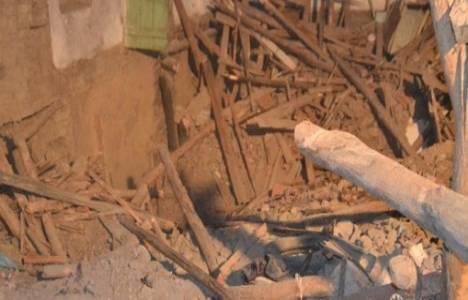 Hindistan'da iki bina çöktü!