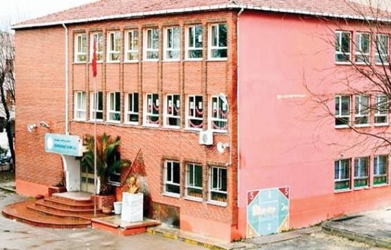 Kumburgaz Merkez İlkokulu'nun yıkımına başlandı!