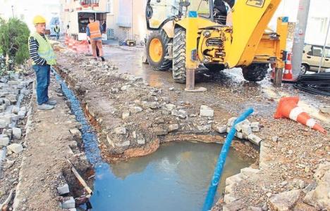 İzmir Aliağa fiberoptik altyapı çalışması sonucu sular altında kaldı!