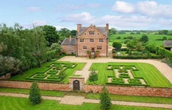 İngiltere'de 9 milyon TL'lik ev 27 TL'ye satılıyor!