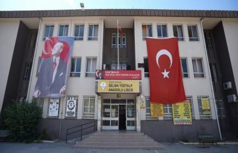 İzmir Konak'taki okullar yenileniyor!