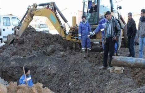 Manisa'daki inşaatta toprak kayması: 1 yaralı!