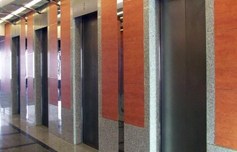 Apartmanlardaki asansörlerin güvenli