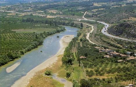 Sakarya Nehri kurudu!