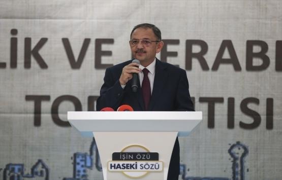 Mehmet Özhaseki: Gecekondusu