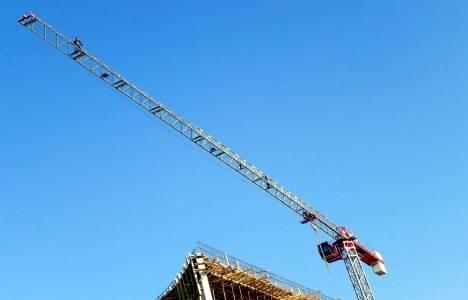 Ödemiş Hastanesi inşaatında çalışan işçiler eylemi bitirdi!