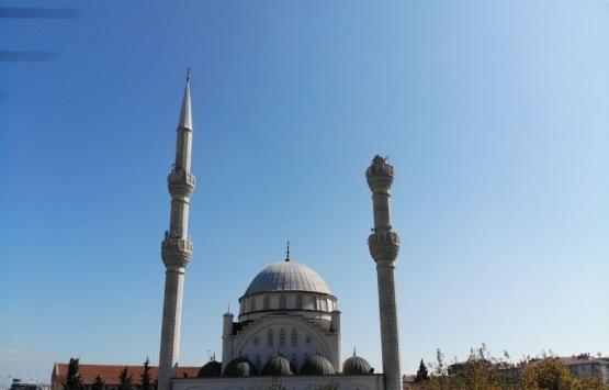 Avcılar'da minaresi yıkılan