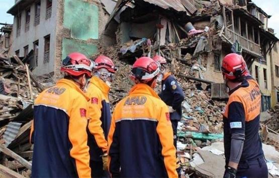 AK Parti'den Türkiye'de olası depremlere hazırlık için araştırma istemi!