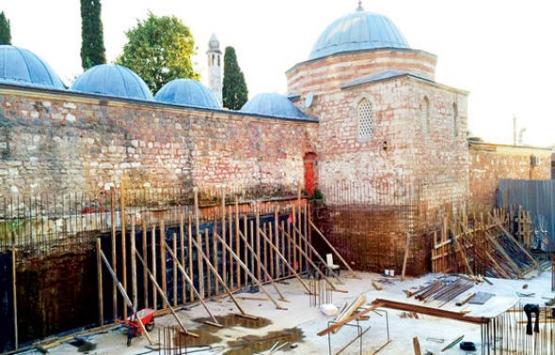 Atik Valide Külliyesi'nin yanındaki yurt inşaatına izin çıkmadı!