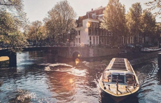 Amsterdam'daki bin 616 köprü 2 milyar euroya yenilenecek!