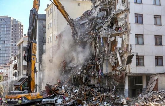 Kartal'da riskli binaların yıkımı devam ediyor!