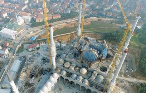 Çamlıca Camisi'nde sıra