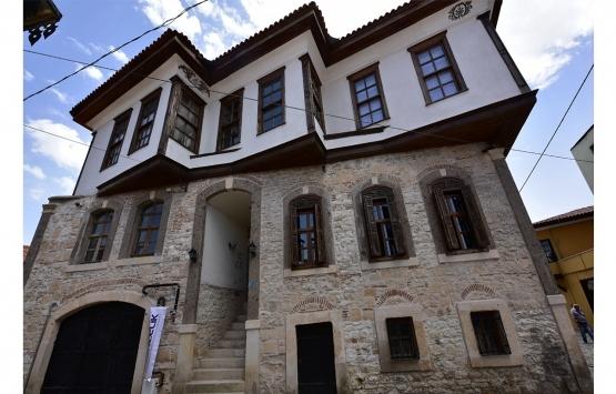 Tarihi Tekeşoğlu Konağı gençlik merkezi oldu!