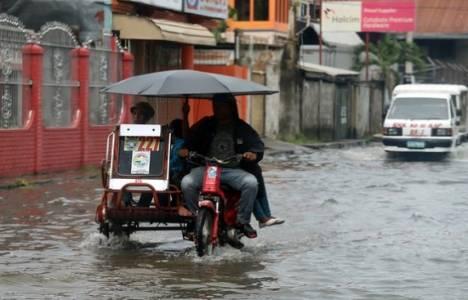 Çin'de Rammasun tayfunu nedeniyle 20 binden fazla kişi evlerini terk etti!