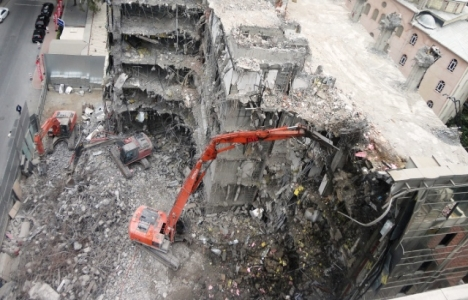 Bina yıkılmadan önce