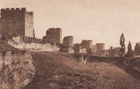 1937 yılında surların
