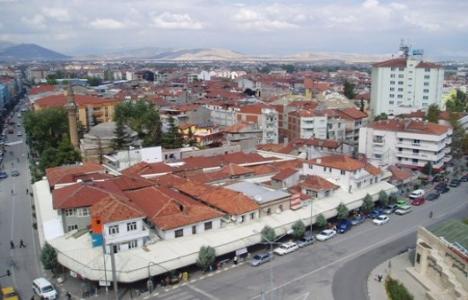 Isparta'da yüzlerce ev