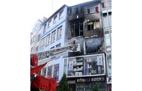 Fatih'te bir iş hanında yangın çıktı!