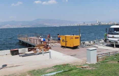 İzmir'de ahşap iskele