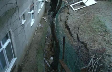 Üsküdar'da 3 bina boşaltıldı!