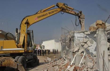 Bursa'da evler yıkılıp meydan yapılıyor!