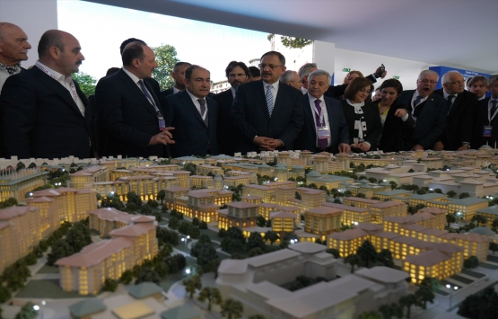 Mehmet Özhaseki: İnşaat sektörü medarı iftiharımız!