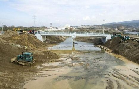 İzmir Adnan Menderes Köprüsü yeniden inşa edildi!