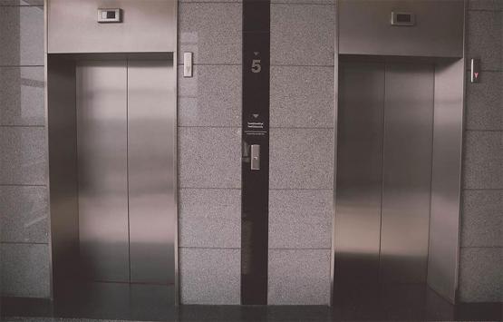 Bozulan asansörün parasını kim karşılar?