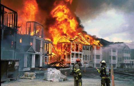 Afyonkarahisar'da ev yangını çıktı!