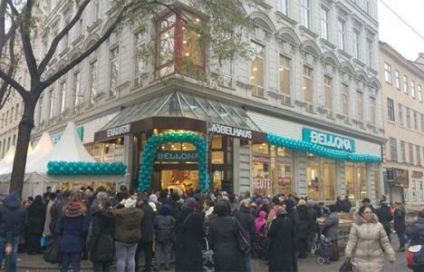 Bellona, Avusturya'da ilk