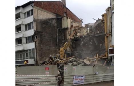 Bolu'daki Kaşmir Otel yıkıldı!