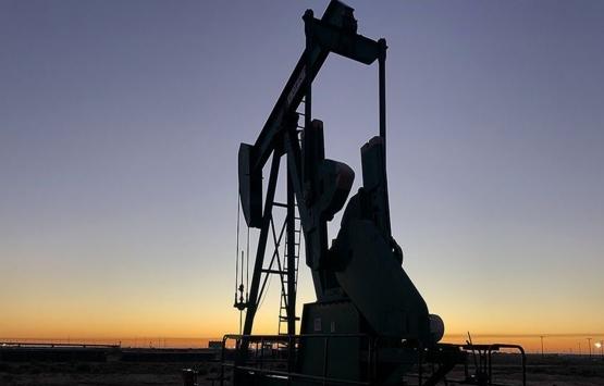 Irak'ın petrol gelirleri Nisan'da yarıya düştü!