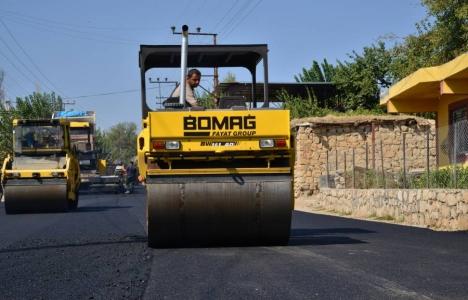 Diyarbakır Silvan'da sıcak asfalt çalışması!