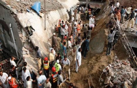 Pakistan'da cami çatısı