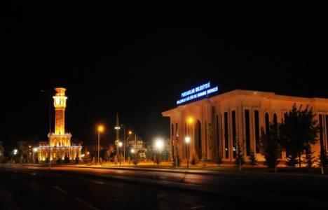 Saray Şehir Meydanı ışıklandırıldı!