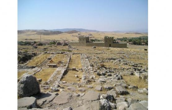Hattuşa'nın binlerce yıllık kalıntıları 'seyir terası'ndan izlenecek!