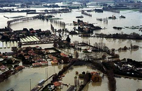 Fransa'da sel felaketi! Montpellier afet bölgesi ilan edildi!